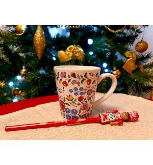 Gift set, mug with Kalocsai pattern-painted wooden pencil